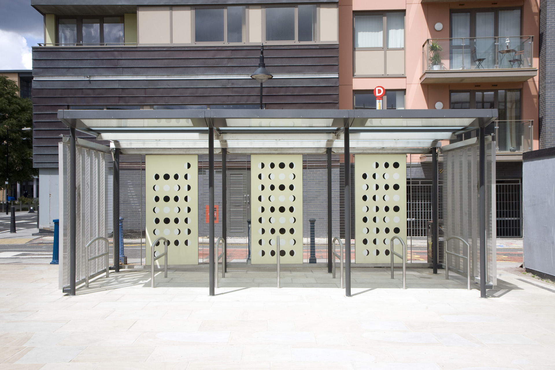 dlr-cycle-parking-04