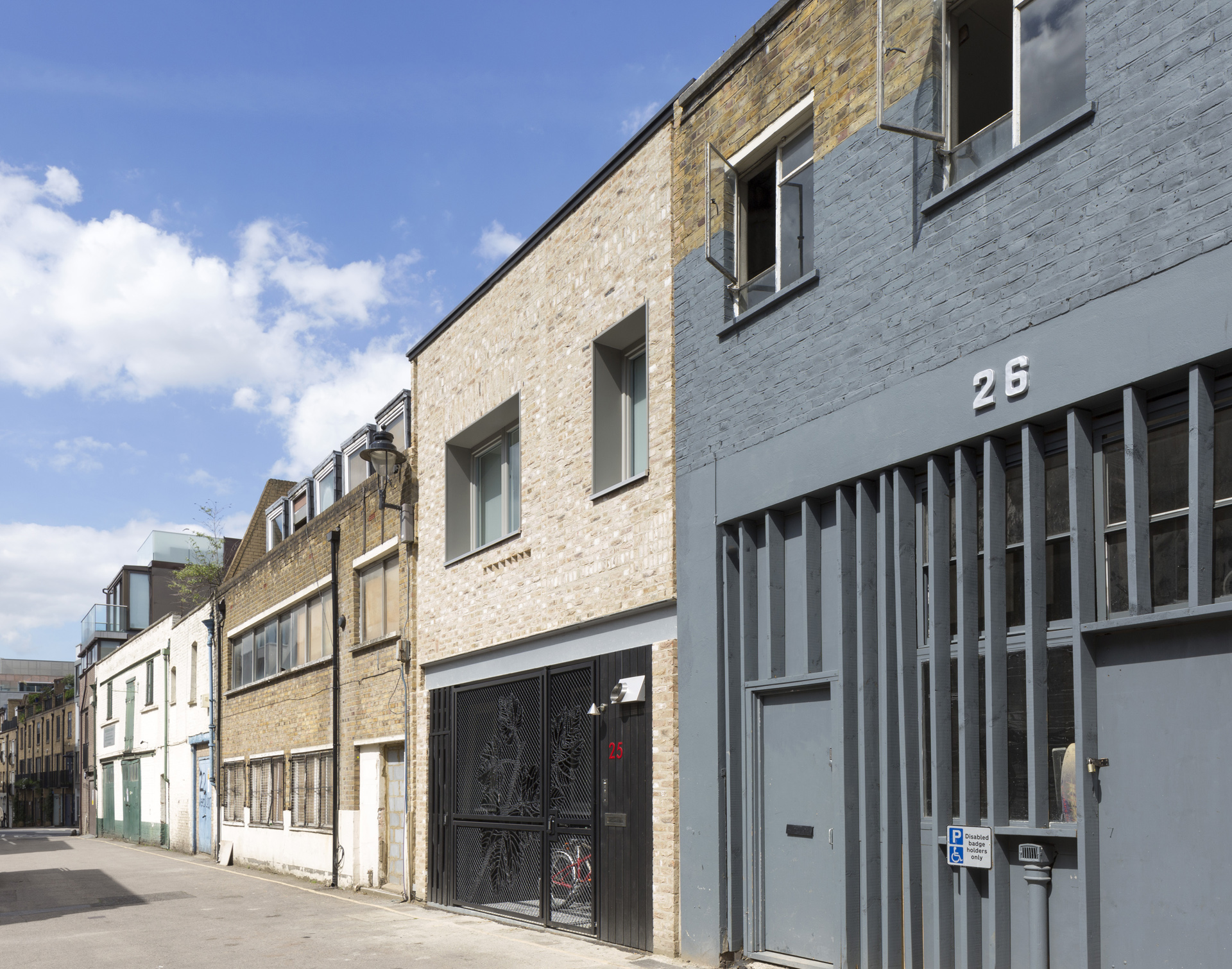 kings mews exterior 0002